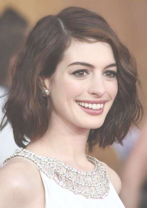 Featured Photo of Anne Hathaway Bob Haircuts