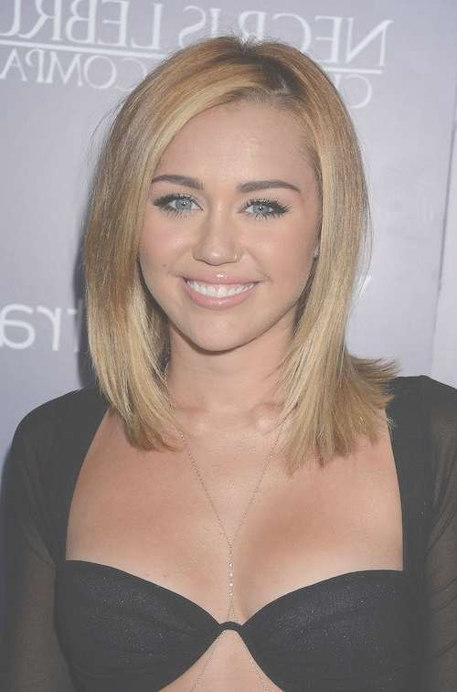 Featured Photo of Miley Cyrus Bob Haircuts