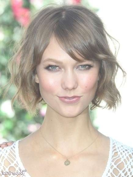 12 Stylish Bob Hairstyles For Wavy Hair – Popular Haircuts In Karlie Kloss Bob Hairstyles (View 4 of 15)