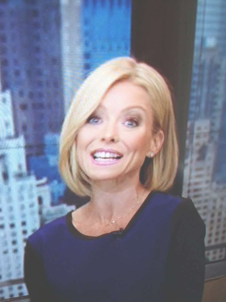 Explore Gallery Of Kelly Ripa Bob Hairstyles Showing 9 Of 15 Photos
