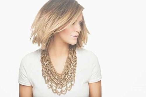 Featured Photo of Courtney Kerr Bob Haircuts