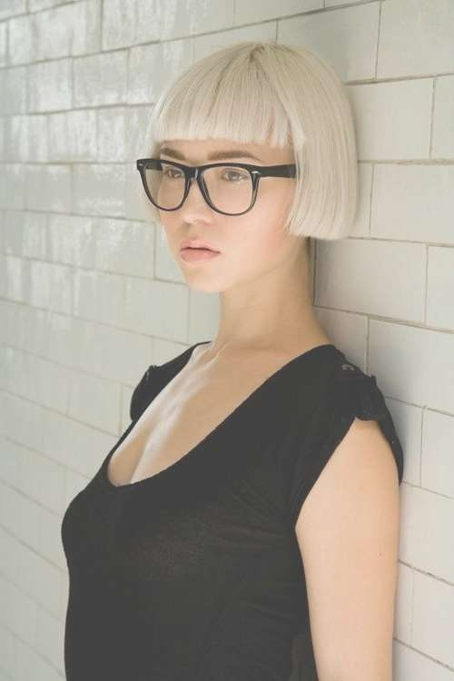 20 Short Straight Hair For Women | Short Straight Hair, Blunt Bob Regarding Bob Haircuts And Glasses (View 14 of 15)