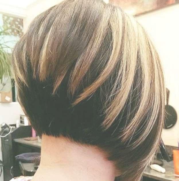 22 Cute Graduated Bob Hairstyles: Short Haircut Designs