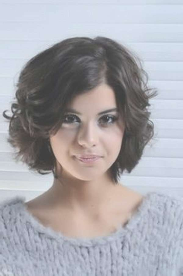 25 Beautiful Short Haircuts For Round Faces 2017 Intended For Bob Hairstyles For Round Faces And Curly Hair (View 2 of 15)