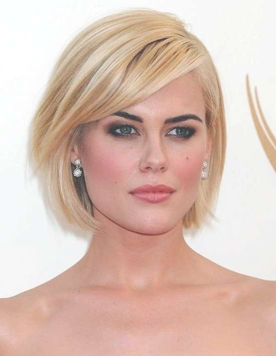 26 Best Short Haircuts For Long Face – Popular Haircuts Pertaining To Blonde Bob Haircuts With Bangs (View 12 of 15)