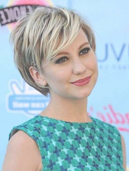 30 Best Short Hairstyles For Round Faces | Short Hairstyles 2016 For Bob Haircuts With Bangs For Round Faces (View 7 of 15)