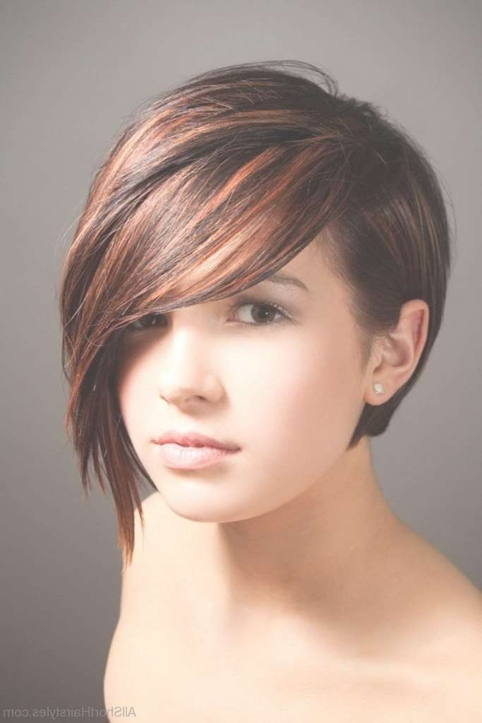 52 Colored Short Emo Hairstyles For Girls Intended For Emo Bob Haircuts (View 9 of 15)