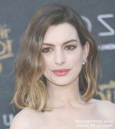 Anne Hathaway's Ombré Bob Hairstyle Pertaining To Anne Hathaway Bob Haircuts (View 14 of 15)