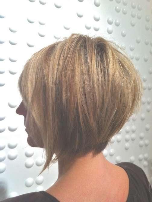 Back View Of Layered Bob Hairstyle – Pretty Designs Inside Back View Of A Bob Haircuts (View 9 of 15)