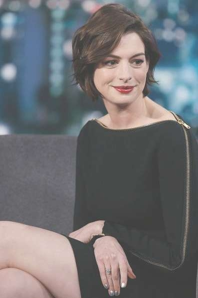 Best 25+ Anne Hathaway Blonde Ideas On Pinterest | Anne White With Anne Hathaway Bob Haircuts (View 13 of 15)