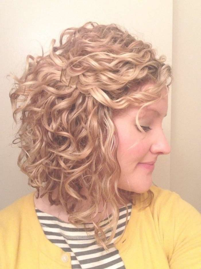 Best 25+ Invert Colors Online Ideas On Pinterest | Fall Work Throughout Inverted Bob Haircuts For Curly Hair (View 9 of 15)