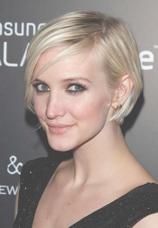 Celebrity Ashlee Simpson Short Graduated Bob Haircut For Thin Hair Intended For Ashlee Simpson Bob Haircuts (View 5 of 15)