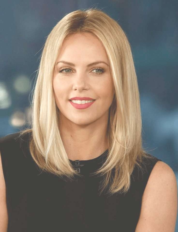 Charlize Theron Bob Cut Hairstyles For Oval Face | Hair In Layered Bob Haircuts For Long Faces (View 3 of 15)