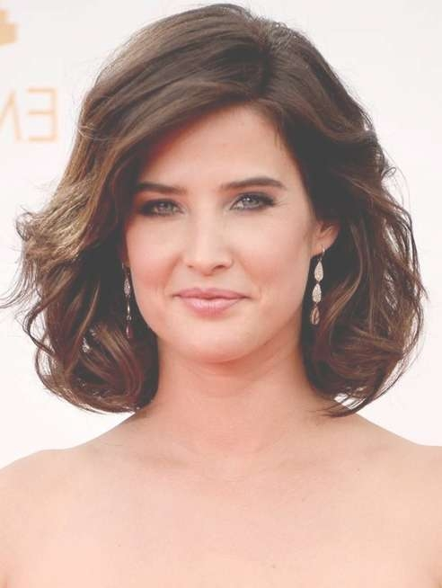 Cobie Smulders Short Haircut: Dark Brown Curly Bob Hairstyle For Inside Bob Haircuts For Wavy Thick Hair (View 10 of 15)