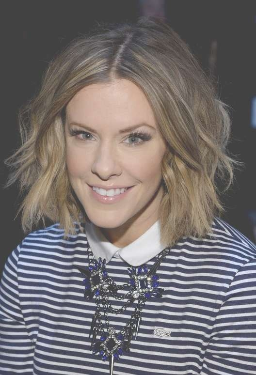 Courtney Kerr Trendy Short Wavy Hair Style For Fall | Styles Weekly Pertaining To Courtney Kerr Bob Haircuts (View 10 of 15)