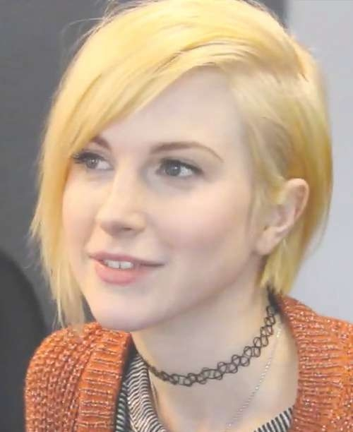 Hayley Williams Hairstyles & Hair Colors | Steal Her Style | Page 6 With Hayley Williams Bob Haircuts (View 14 of 15)