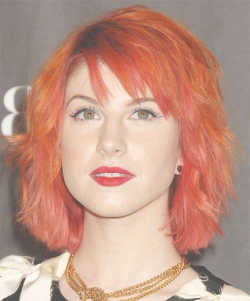 Hayley Williams Medium Wavy Alternative Hairstyle Regarding Hayley Williams Bob Haircuts (View 8 of 15)