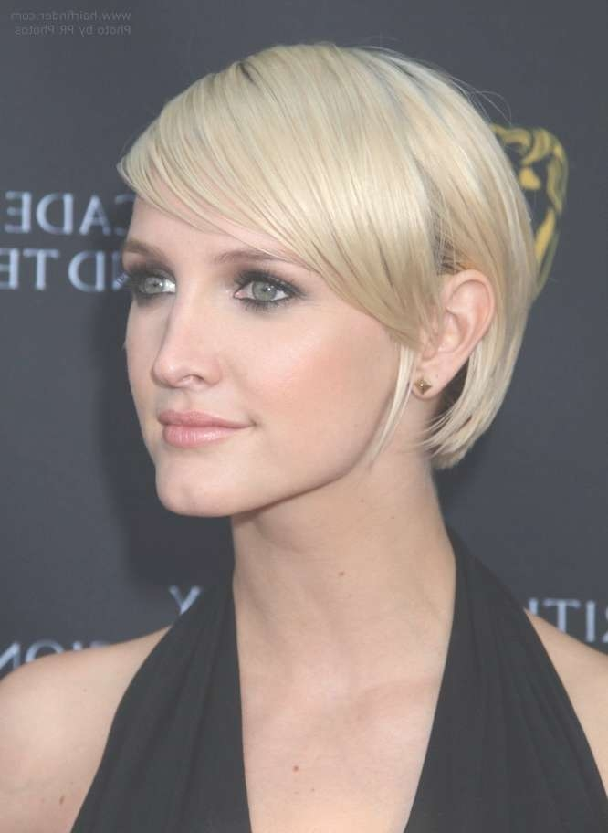 How To Cut Ashlee Simpson's New Short Haircut Within Ashlee Simpson Bob Haircuts (View 4 of 15)