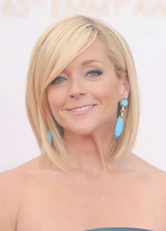 Jane Krakowski Short Blonde Bob Hairstyle For Women Over 40 Intended For Bob Hairstyles For Women Over (View 11 of 15)