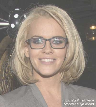 Jenny Mccarthy | Long Layered Bob Hairstyle And Black Framed Glasses With Bob Haircuts And Glasses (View 8 of 15)