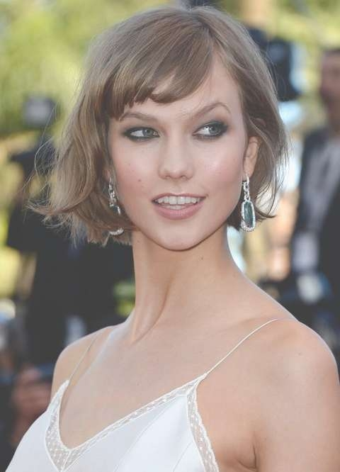 Karlie Kloss Short Messy Bob Hairstyle With Bangs | Styles Weekly With Karlie Kloss Bob Hairstyles (View 12 of 15)