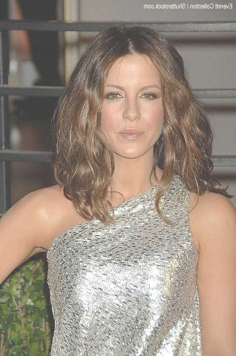 Kate Beckinsale Hairstyles For Kate Beckinsale Bob Haircuts (View 6 of 15)