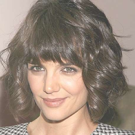 Katie Holmes Short Curly Bob Hairstyle – Hairstyles Weekly Pertaining To Short Curly Bob Haircuts With Bangs (View 5 of 15)