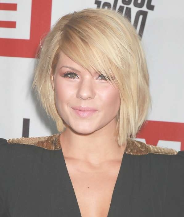 Kimberly Caldwell Short Bob Hairstyle With Side Swept Bangs Within Bob Haircuts With Side Swept Bangs (View 2 of 15)