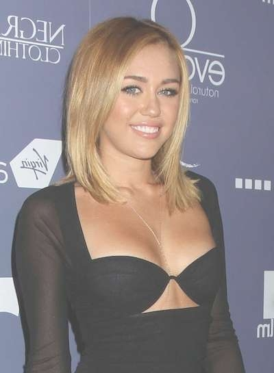 Miley Cyrus In Blonde Bob Hair Style With Miley Cyrus Bob Haircuts (View 13 of 15)