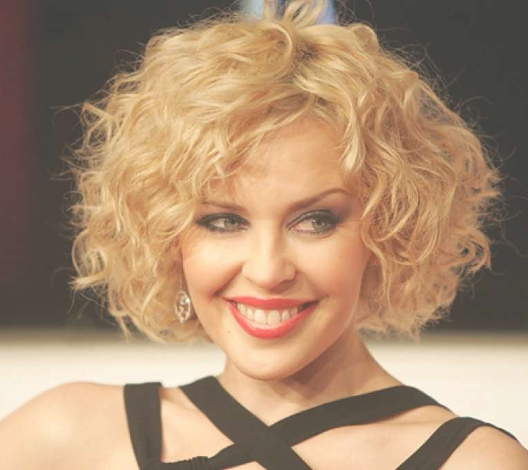 Short Layered Bob Hairstyles – Hairstyles Weekly Intended For Layered Bob Haircuts For Curly Hair (View 7 of 15)