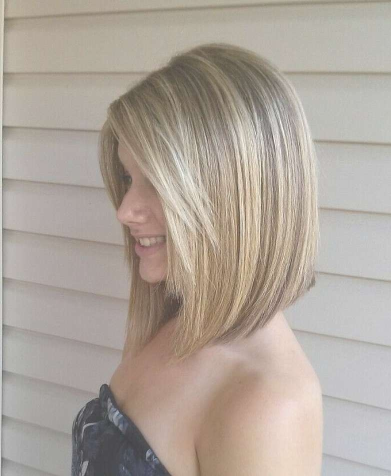 Shoulder Length Angled Bob Hairstyles With Side Bangs For Straight With Bob Hairstyles With Blonde Highlights (View 12 of 15)
