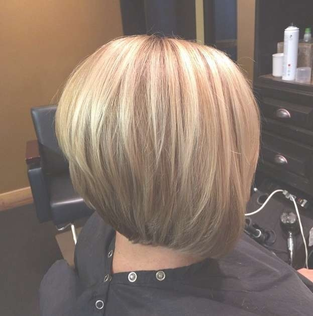 Simple Easy Stacked Bob Haircut With Highlights – Pretty Designs Intended For Bob Haircuts With Highlights (View 7 of 15)
