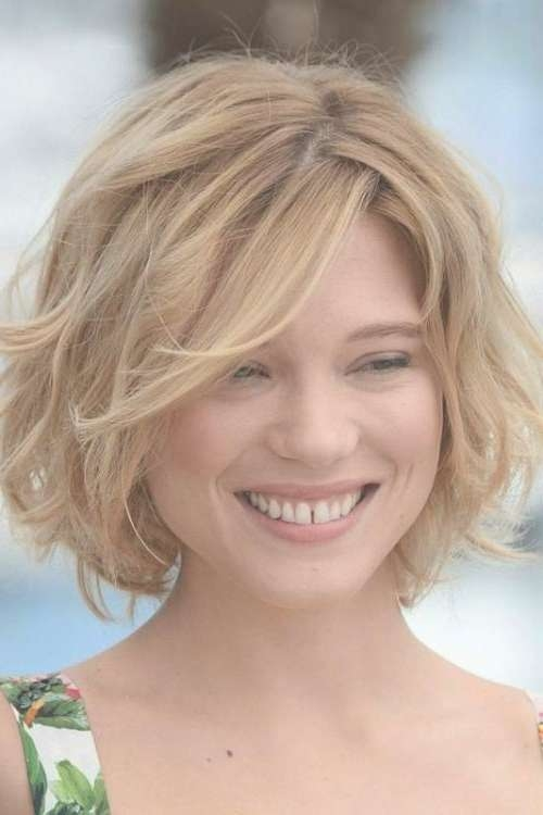 The 25+ Best Medium Curly Bob Ideas On Pinterest   Curly Medium Within Shoulder Length Curly Bob Haircuts (View 14 of 15)
