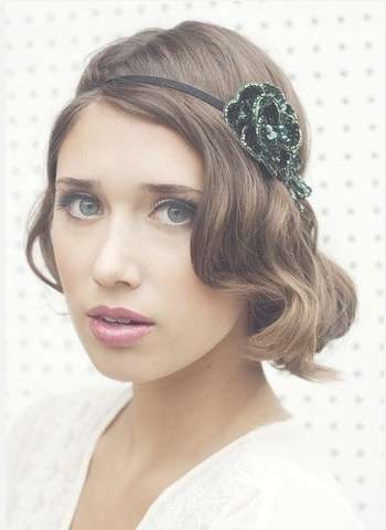 The Faux Bob Hairstyle With A Headband For Medium Brunette Wavy For Bob Hairstyles With Headband (View 2 of 15)