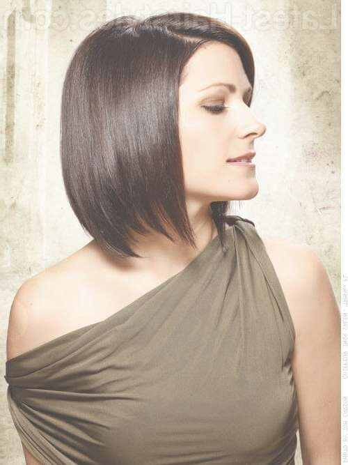 These 35 Medium Bob Hairstyles Are Trending For 2018 Intended For Bob Hairstyles For Medium Length Hair (View 8 of 15)