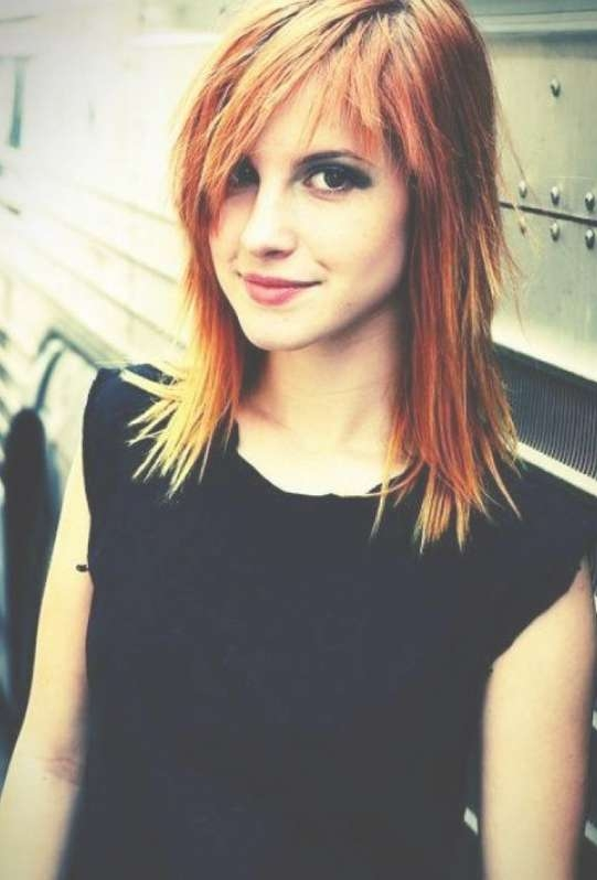 Trendy Spiky Medium Bob With Copper Balayage: Hayley Williams With Regard To Hayley Williams Bob Haircuts (View 11 of 15)