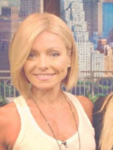 Which Kelly Ripa Haircut Do You Like Better? Throughout Kelly Ripa Bob Hairstyles (View 10 of 15)