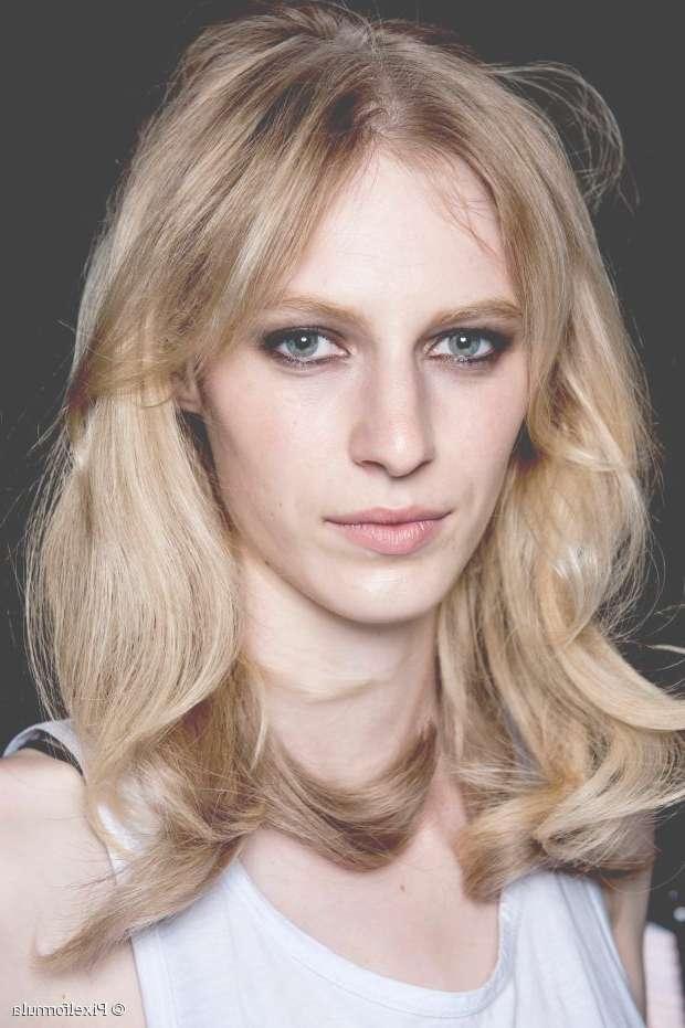 10 Best Hairstyles For Women In Their 30S Regarding Newest Medium Hairstyles For Women In Their 20S (View 15 of 25)