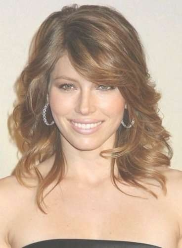 10 Jessica Biel Hairstyles With Bangs (Long, Medium, Bob, Updo With Most Popular Highlighted Medium Hairstyles (View 20 of 25)