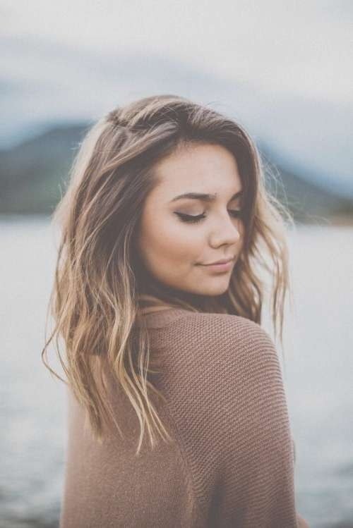 10 Pretty Layered Medium Hairstyles: Women Shoulder Hair Cuts 2018 Throughout Latest Medium Haircuts Layered (View 24 of 25)