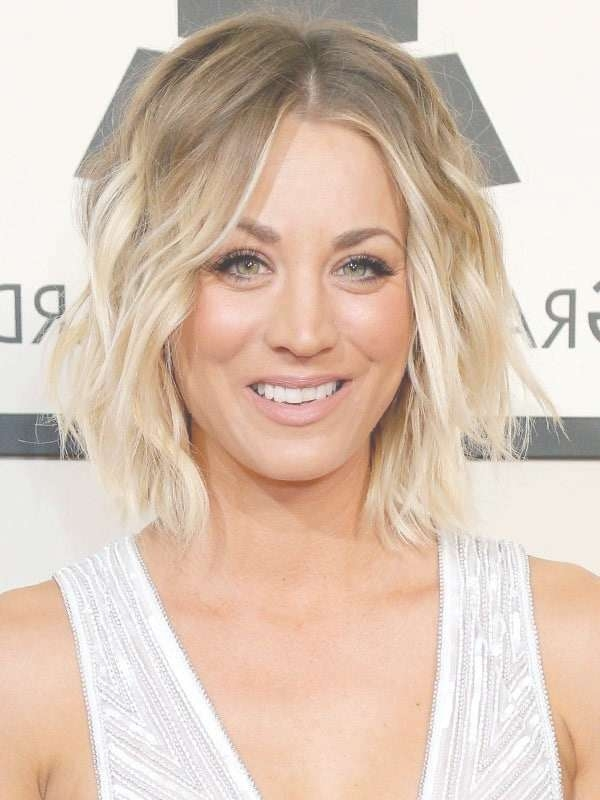 10 Tempting Kaley Cuoco's Short Hairstyles – Hairstylecamp Regarding Current Kaley Cuoco Medium Hairstyles (View 1 of 15)