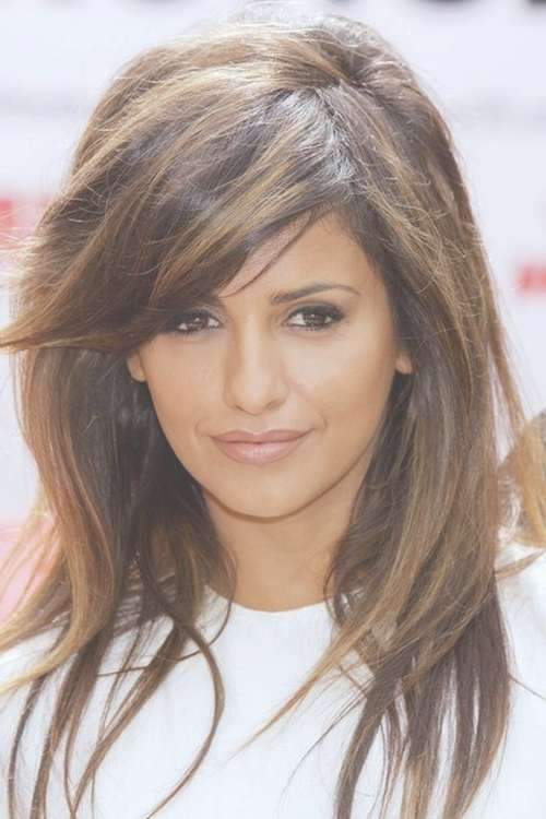 101 Chic Side Swept Hairstyles To Help You Look Younger Intended For Most Popular Medium Haircuts That Make You Look Younger (View 13 of 25)