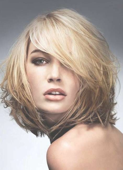Featured Photo of Medium Hairstyles For Thin Fine Hair And Round Face