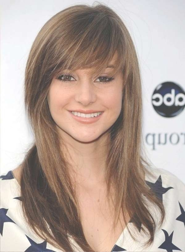 111 Best Layered Haircuts For All Hair Types [2018] – Beautified In Best And Newest Medium Hairstyles Side Swept Bangs (View 17 of 25)