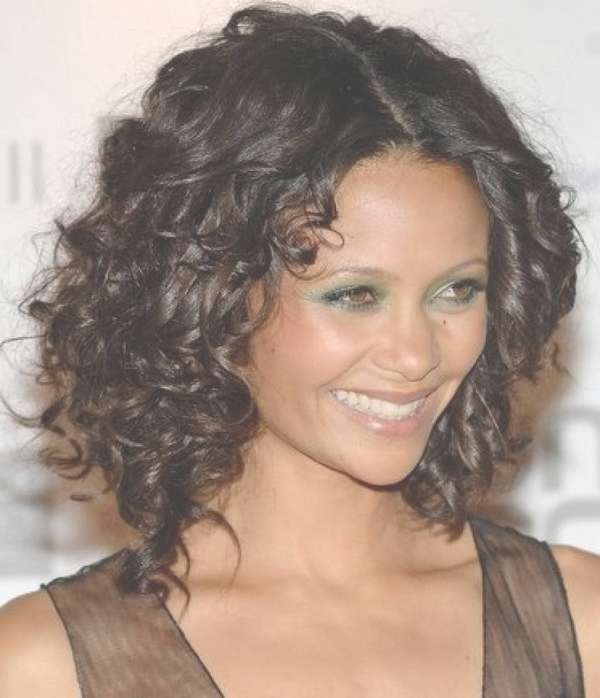 111 Best Layered Haircuts For All Hair Types [2018] – Beautified With Regard To 2018 Medium Haircuts For Thick Fine Hair (View 14 of 25)