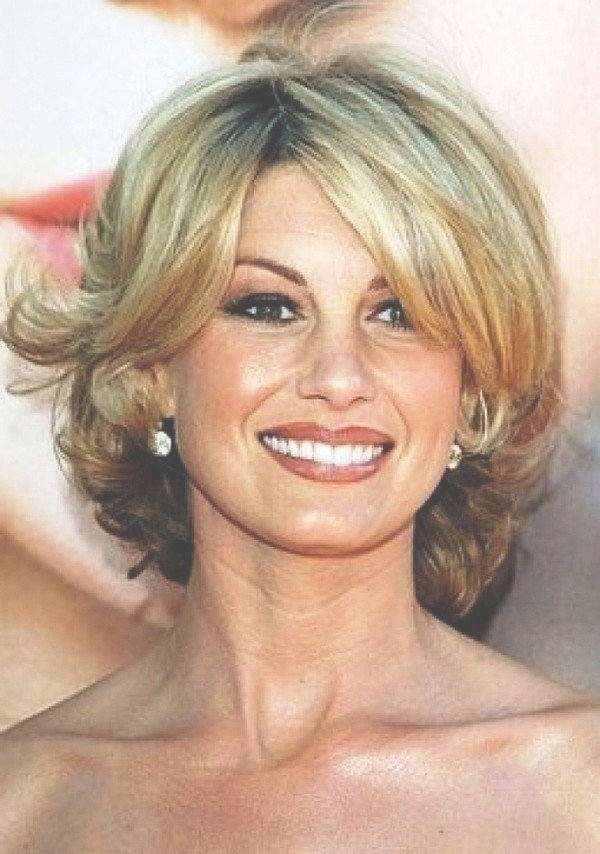 111 Hottest Short Hairstyles For Women 2018 – Beautified Designs Intended For Most Recently Medium Haircuts Over (View 10 of 25)