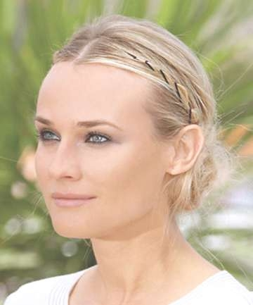 12 Easy Bobby Pin Hairstyles To Up Your Hair Game Pertaining To Current Medium Hairstyles With Bobby Pins (View 8 of 25)