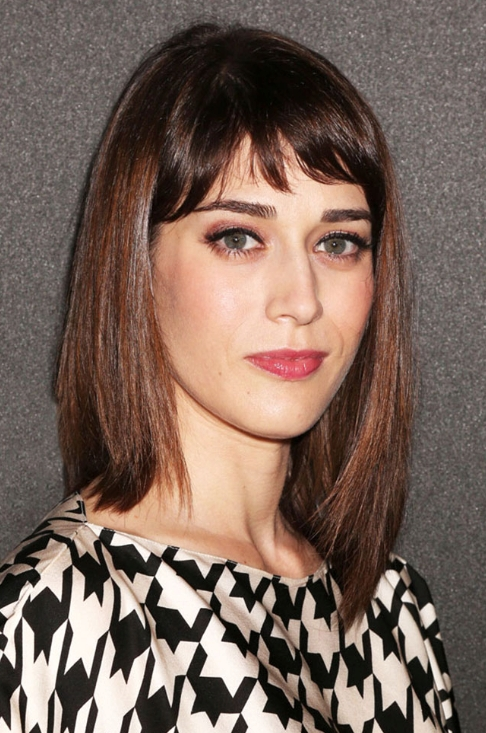 12 Short Haircuts To Flatter Every Face Shape | Madison Reed Throughout Current Medium Haircuts With Bangs For Oval Faces (View 13 of 25)