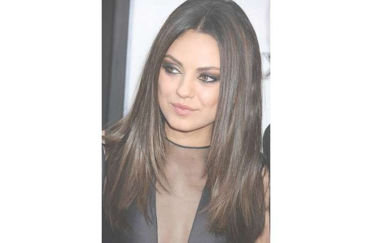 15 Celebrity Hairstyles To Slim Down Your Fat Face For Newest Medium Haircuts For High Cheekbones (View 24 of 25)