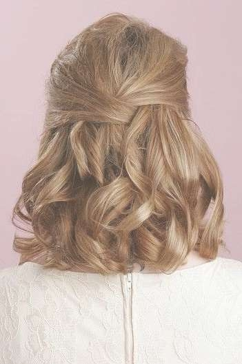 15 Pretty Prom Hairstyles For 2018: Boho, Retro, Edgy Hair Styles With 2018 Medium Hairstyles For A Ball (View 10 of 25)